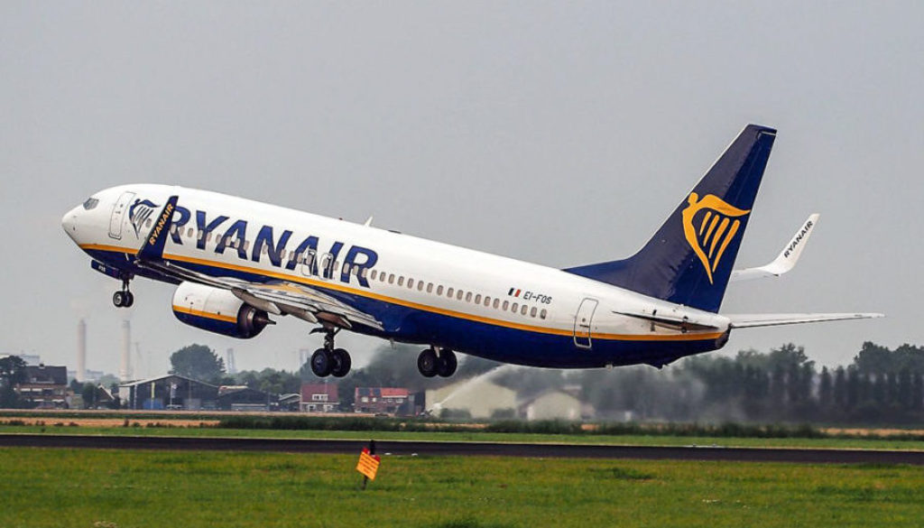 EI-FOS_Ryanair_Boeing_737-8AS(WL)_-_cn_44727_takeoff_from_Schiphol_pic3