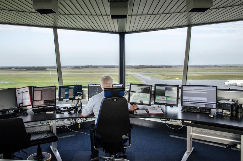 Tårn-personel i danske lufthavne varsler konflikt