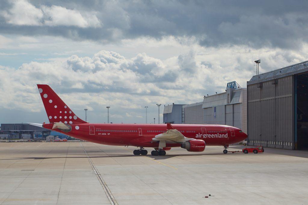 Air Greenland holder kursen trods tab af servicekontrakter