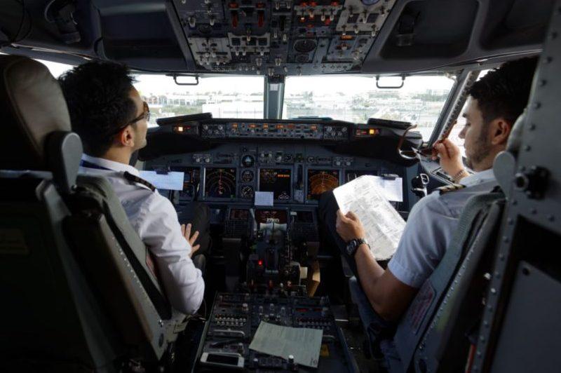 Ryanair cockpit