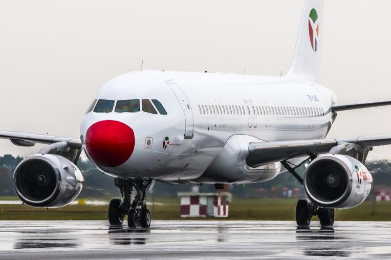 hvilke flyselskaber flyver fra billund