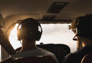 Nyuddannede, pilotelever og freelancere i klemme på krav om nyt helbredstjek
