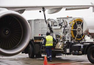 Lækket rapport: Skat på flybrændstof vil koste hundredvis af danske arbejdspladser i flyindustrien