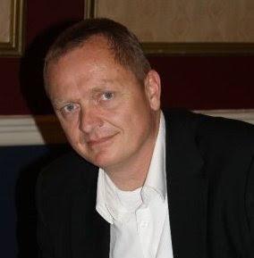Allan Lavridsen er kaptajn og examiner.